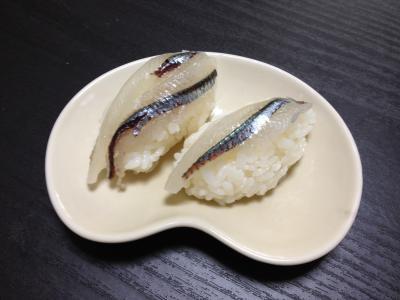 トウゴロウイワシの握り寿司