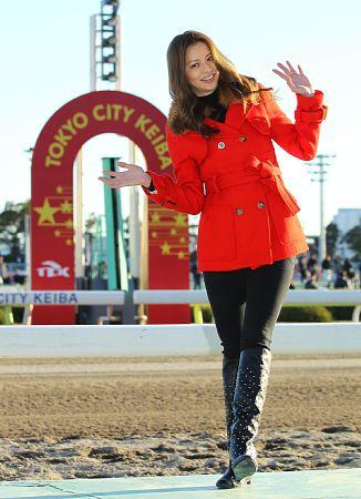 【大井競馬】香里奈、来年の抱負「新たな一面を見せられたらいいな」…大井競馬場で行われた東京大賞典表彰式