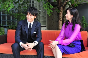 長谷川博己と鈴木京香の画像