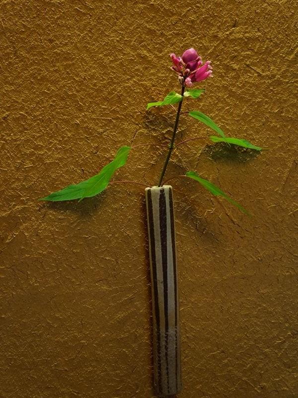 壁の花飾り