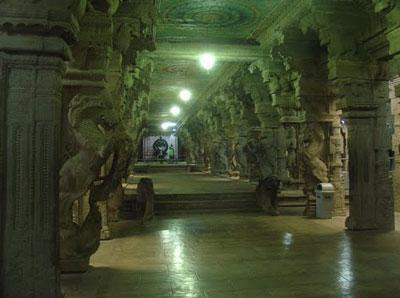 ミナクシ寺院の回廊