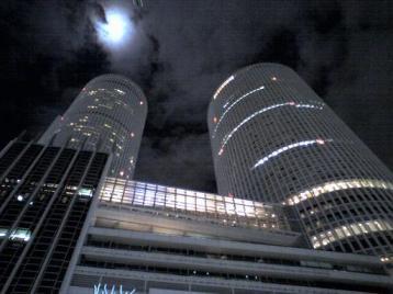 80 夜のタワー.JPG