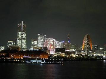 50 夜 大桟橋からMM拡大.JPG