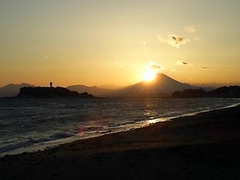 江ノ島と富士山 (1).JPG