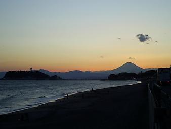 江ノ島と富士山 (11).JPG