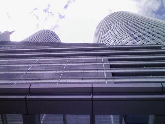 タワー見上げ.jpg