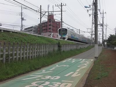 武蔵砂川駅東側