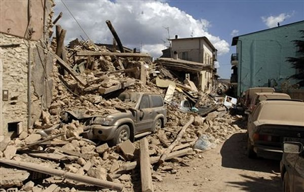 iran-earthquake.jpg