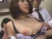 美少女がエレベーター集団痴漢 2