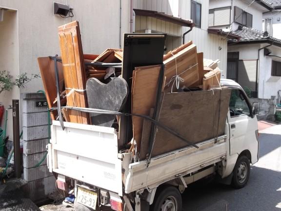 ゴミ搬出中
