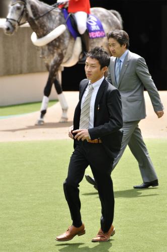 120512角田晃一調教師1