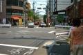 団子坂下(千駄木駅出口)向こうがさんさき坂