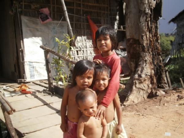 貧しくともけなげな子供たち