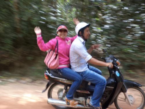 風を切るバイク