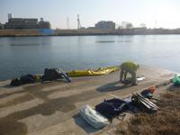 母港で準備する閘門水先人20130113
