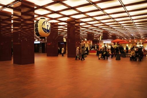 歌舞伎座地下広場