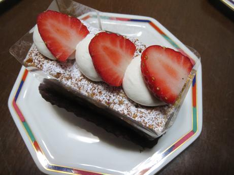 関のケーキ3