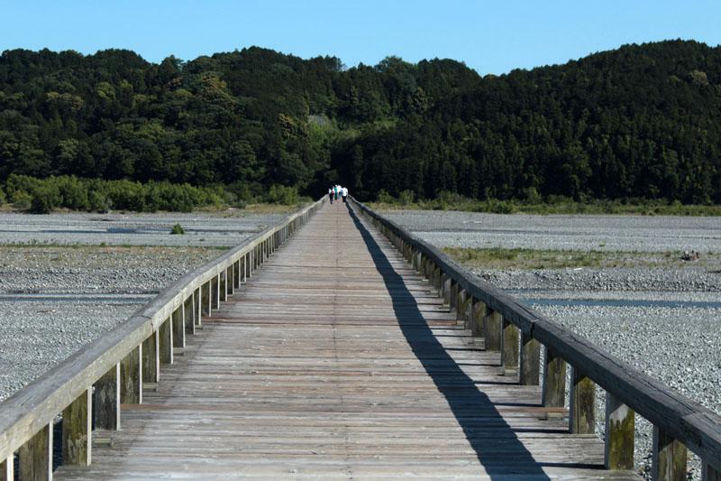 莱橋・島田側から金谷方向を・140517