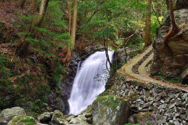 雨乞いの滝6