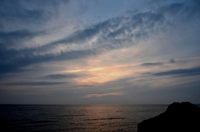 今日の夕陽 海にて 4