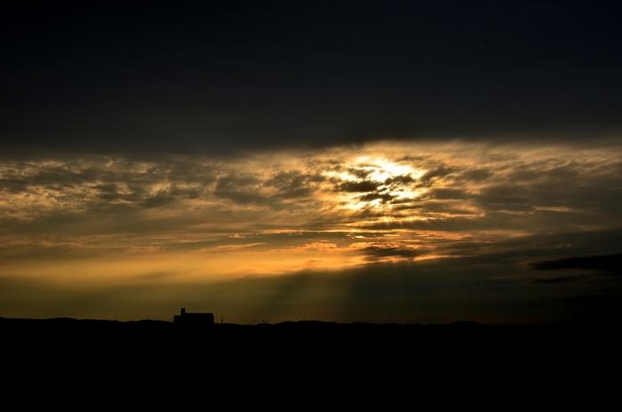 今日の夕陽 雲間から射す-5