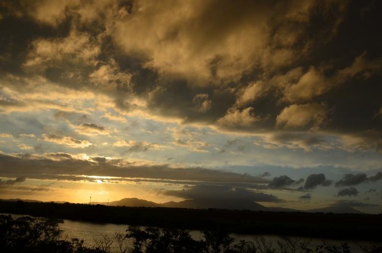 今日の夕陽 台風一過 3