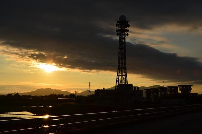 今日の夕陽 堰 塔-7