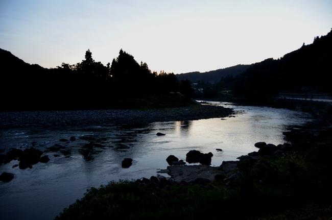 川 夕暮れ-2
