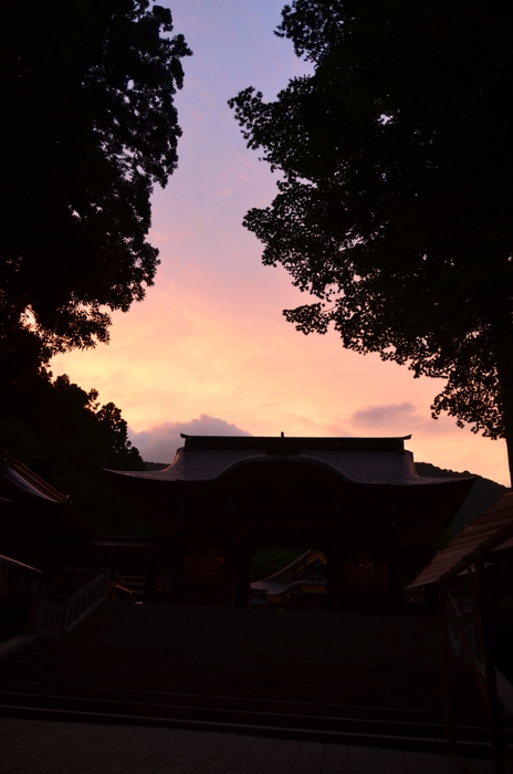 神社 夕暮れ-1