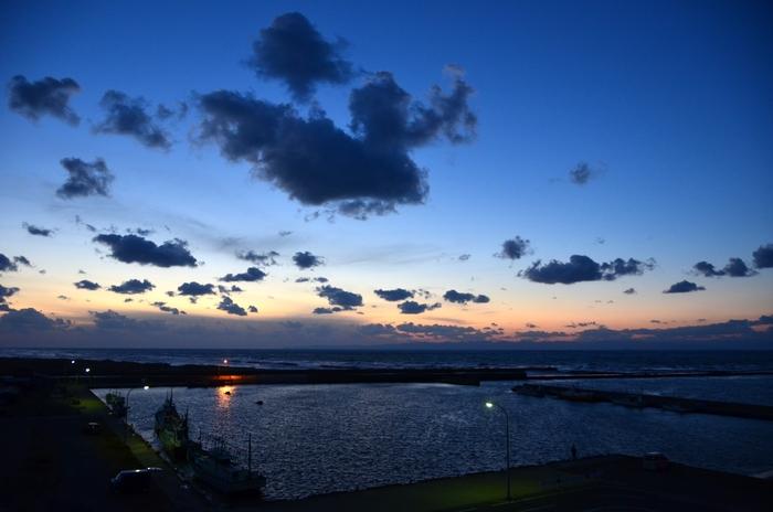 夕暮れの漁港-1