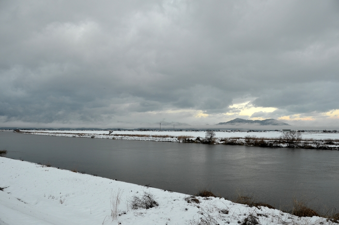 冬の河-1