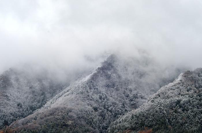 初雪 山-1