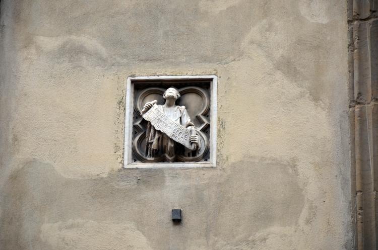 イタリア 街中のワンシーン-2