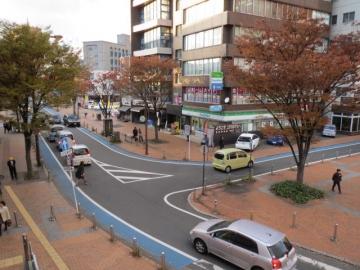 JR小倉駅新幹線口から出て左側、すぐに見える位置です