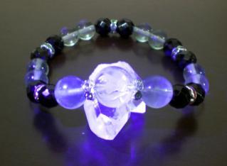 痛水晶ブレスレット4蛍光