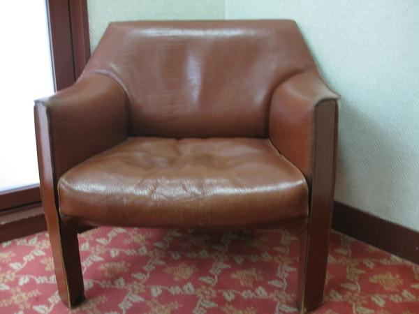 ロビーの風格有る椅子