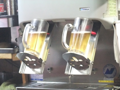 pouring beer machine