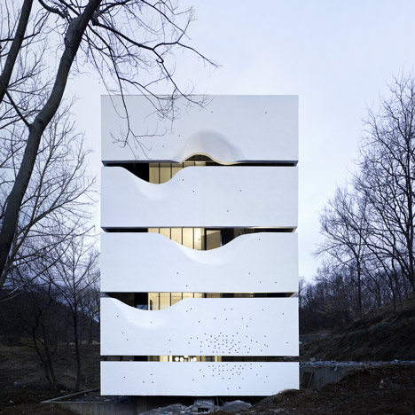 Dezeen_Blockhouse-by-AZL-Architects_4.jpg