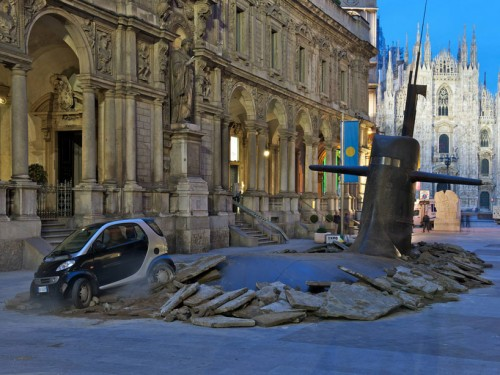 Submarine-in-milan-by-MC-saatchi-for-europ-assistance-IT-1-500x375.jpg