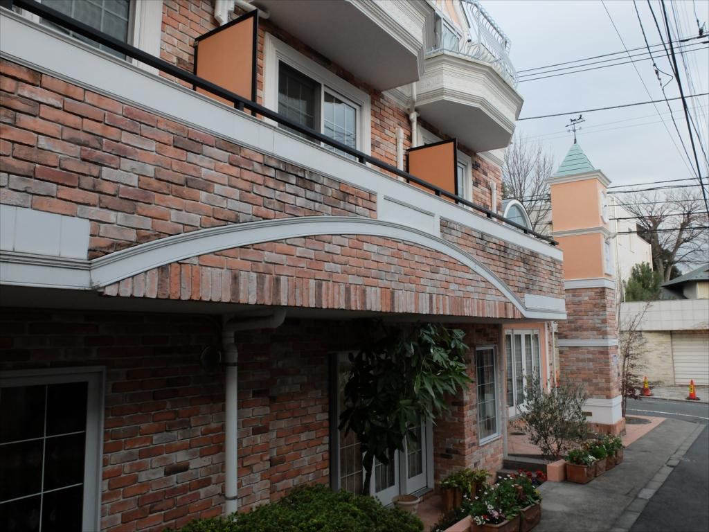 ラ・ヴィータの反対側の建物_3