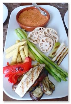 焼き野菜ロメスコソース