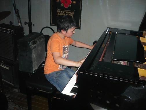 けんピアノ