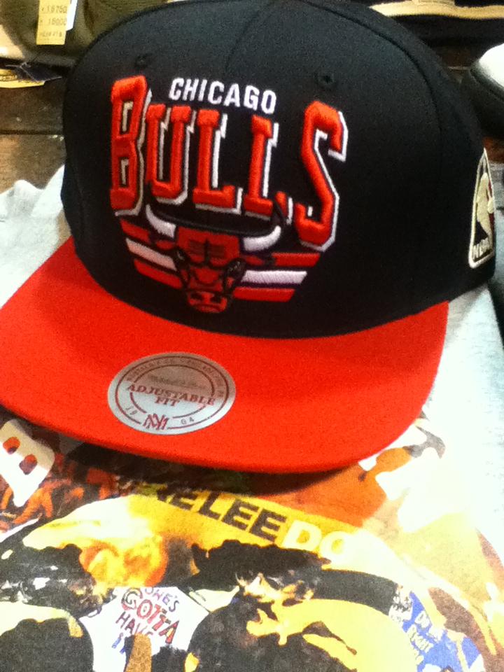mn bulls cap