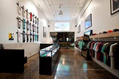 diamond-supply-co-fairfax-store-re-opening-4_convert_20121128214325.jpg