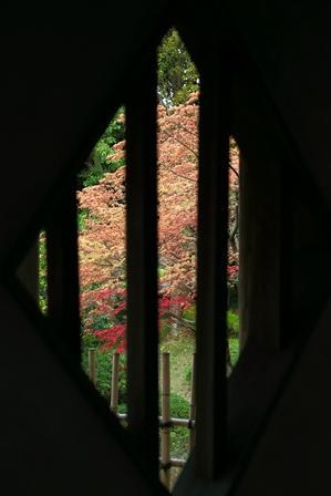 2011-10-08 華2600
