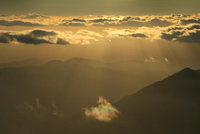 141029 光芒と彩雲