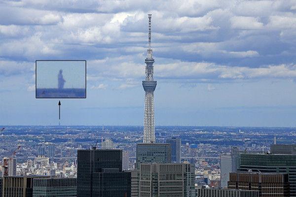 「六本木ヒルズ」から「東京スカイツリー」を見ると「牛久大仏」も見える