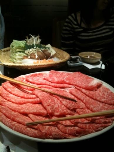 肉は食べ放題
