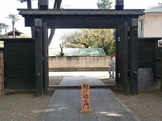 満徳寺駆込門