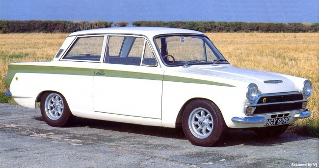 1965 Lotus Cortina - frontR